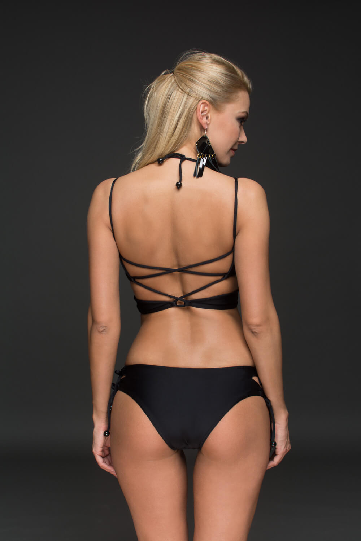 9e292cd061ce Ibiza szivacs nélküli fekete top Pyramid-bikini